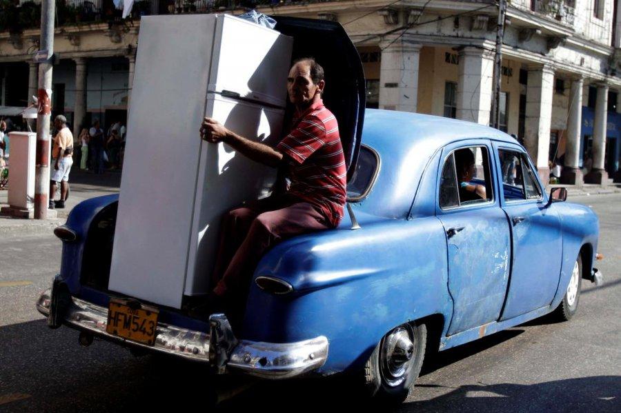 Как правильно перевозить холодильник на своем автомобиле?