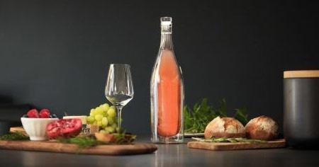 Бутылка Cooleo гарантирует, что вино останется холодным без холодильника