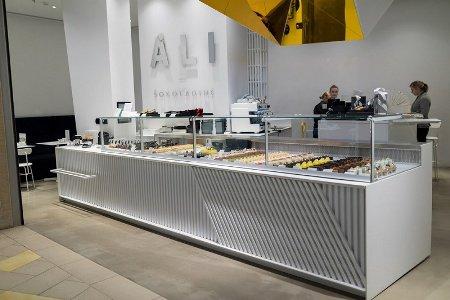 Холодильные витрины FREOR DIONA QB в шоколадницах ALI