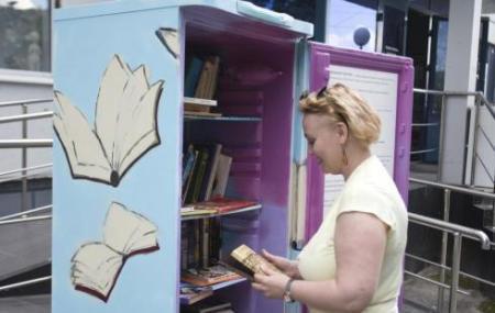 «Свежее чтение»: книжный холодильник в Сургуте