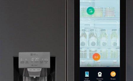 Новый смарт-холодильник LG с сенсорным дисплеем и поддержкой Alexa