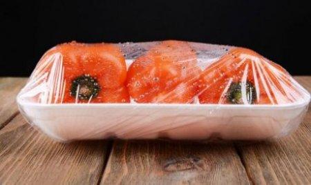 Экспериментальная пищевая пленка с глиняными нанотрубками сохраняет еду дольше