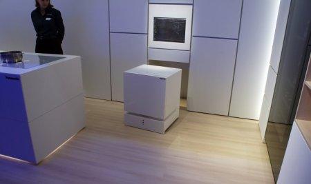 IFA 2017: Холодильник Panasonic сам придет к хозяину