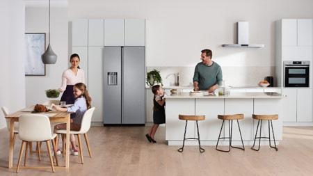 Холодильники Samsung с модным «плоским» дизайном