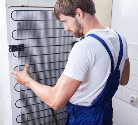 Могут ли быть горячими стенки холодильника?