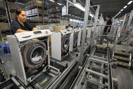 Выпуск холодильников Bosch и Siemens на заводе в Петербурге увеличился на 16 %