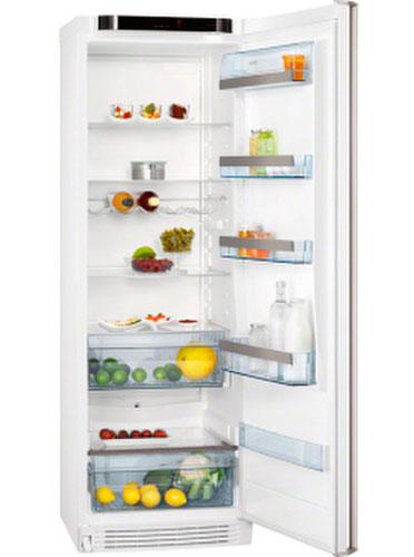однокамерный холодильник AEG S63700KSW1