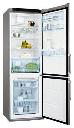 двухкамерный холодильник Electrolux ENA 34980 S