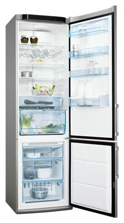 двухкамерный холодильник Electrolux ENA 38953 X