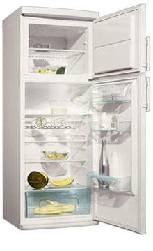 двухкамерный холодильник Electrolux ERD 3020